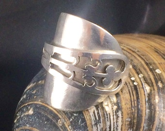 Silver Spoon Ring - Crafted from a Pierced Sterling Silver Coffee Spoon - Hallmarked SpoonRing - Fleur-de-lys - Handmade by Adrift Crafts