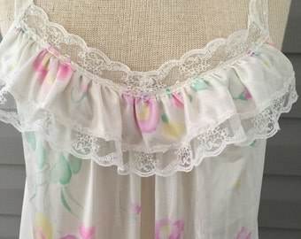 Floral Vintage Full-Length Lace Ruffle Spaghetti Starp VANITY FAIR Nightgown