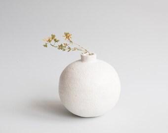 round ceramic vase white minimalistic pure clear vessel home decor wabi sabi handmade handbuilt ceramics pottery vase circle snow sugar