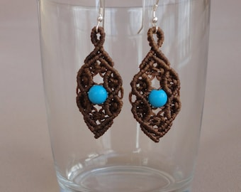 The Color Gang - Macrame earrings with howlite turquoise beads