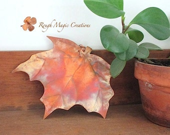 Metal Maple Leaf. Rustic Copper Wall Hanging. Primitive Woodland Autumn Decor. Fall Colors. Autumn Leaves. Artisan Metalwork. Home Decor