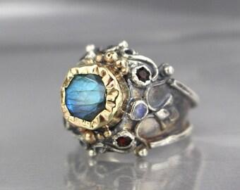 Labradorite Ring, Labradorite Gemstones Ring, Cocktail Ring, 9K Gold Adjustable Ring, Wide Band Ring, Silver Ring, Statement Ring, Pirate