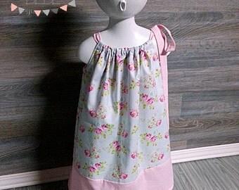 Petite robe fleurs vintage et rose à pois blanc 3T  style pillowcase