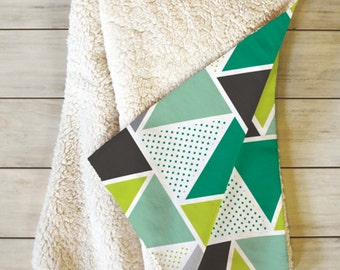 Sherpa Throw Blanket // Modern Geometric Fleece Blanket // Home Decor // Bedroom // Dorm Decor // Emerald Triangulum Design // Green