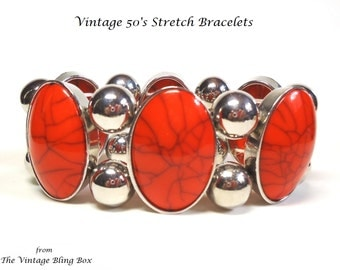 50s Red & Silver Bead Stretch Bracelet in Oval Cabochon Plastic and Round Silver Metal Beads Chunky Motif - Vintage 50's Costume Jewelry