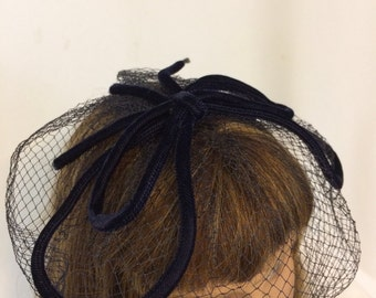 Vintage Black Velvet Fascinator with Netting // Elegant Hat // 1950's Romance