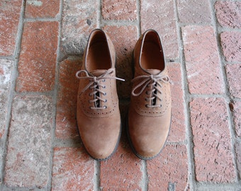 VTG Mens 9.5 Rustic Rockport Nubuck Leather Tan Lace Up Oxfords Brogues Derby Saddle Dress Shoes Casual Spring Fashion Preppy Hipster Spring
