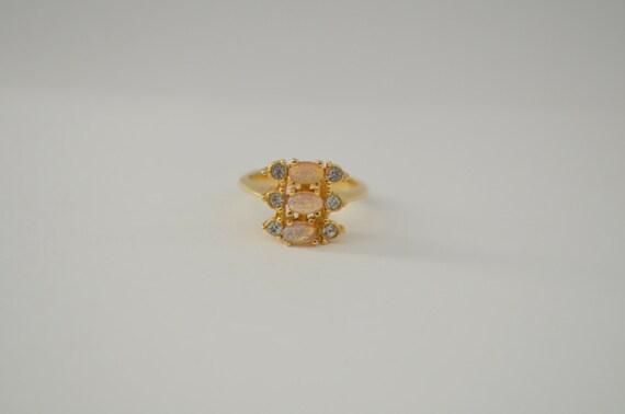 Vintage 80s Avon Opal Ring 1987 Opaline Rhinestone Gold Tone