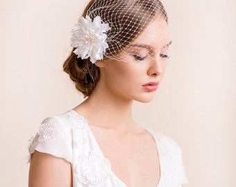 Bridal Birdcage Veil with Dahlia Flower - Birdcage Veil with Flower Hair Clip - Wedding Hair Accessory - Bridal Headpiece Dahlia