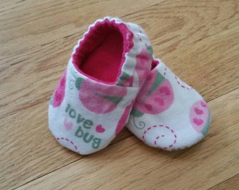 Baby booties girl, soft sole baby shoes, pink baby slippers, love bug baby crib shoes, reversible baby shoes