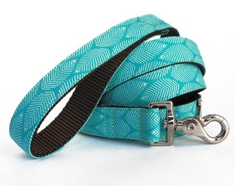 Turquoise Dog Leash in a Modern Feather Design -  Dog Lead - Dog Leash for Spring and Summer