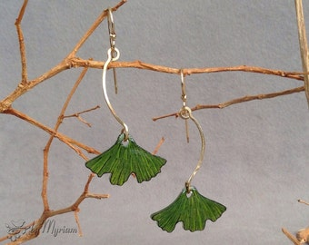 Gingko leaf earrings with 14 kt. gold-filled . Lightweight green ginkgo earrings . Ginkgo leaf dangle earrings