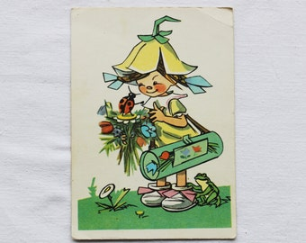 "Illustrator Vyshenskaya Vintage Soviet Postcard ""Thumbelina"" - 1971. Sovetskiy hudozhnik. Girl, Flowers, Ladybug, Frog, Bouquet, Yellow, Bag"