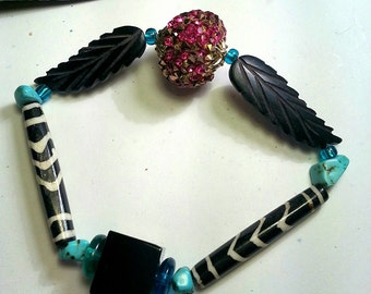 Winged Sparkle Bracelet stretch bead