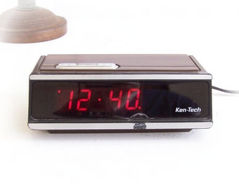 Vintage KEN-TECH Digital LED Alarm Clock Model T-2096 Brown Retro Wood Grain Chassis with Silver Snooze Bar Tested Working