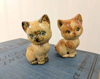"2 Vintage Old Crow 2 Stoneware Glazed 2 1/4"" Mini Figurine Kittens, Pair of Pottery Kitties, Craft Supplies"