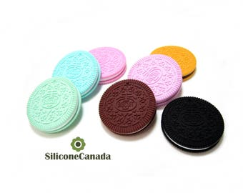 Large Silicone Oreo Biscuit Pendant Teething Necklace