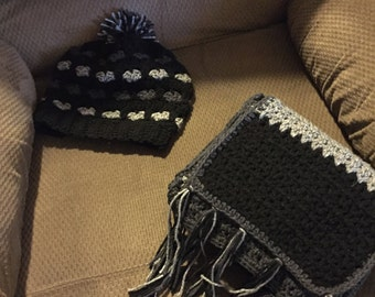 Adult hat and scarf set