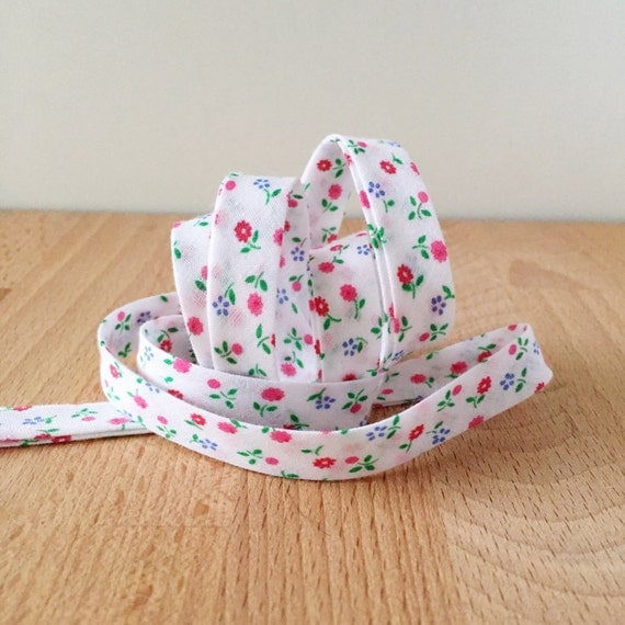 """Bias Tape in Soft Vintage Floral cotton- 1/2"""" double-fold binding- Spring colors- 3 yard roll"""