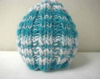 Chunky knit hat, teal white kids hat size 2 till 5 yrs, warm comfortable hat knit in round no seams, multicolor thick thin yarn green blue