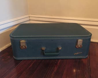 Vintage Lady Baltimore Green Suitcase/Vintage Green Luggage
