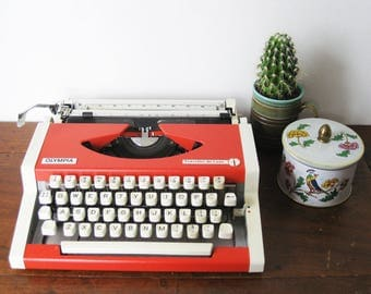 Working Typewriter Red Olympia Traveller de Luxe | Vintage Functioning Portable Typewriter 1975