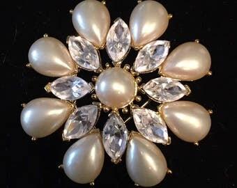 Crown Trifari Pearl and Clear Rhinestone Brooch gold tone flower sunburst design
