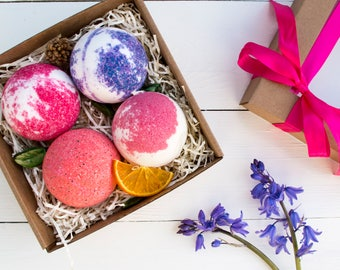 Berry Bath Bomb Gift Box - Spa Set - Hamper Pamper - Bath Fizz - Bath Soak - Gift For Her - Gift For Woman - Birthday Gift -Vegan