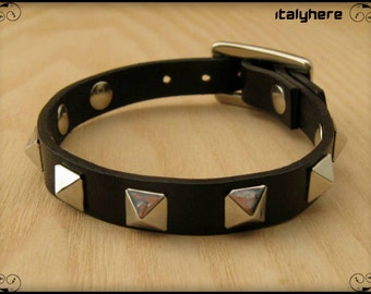 Bracelet in real leather with pyramid studs, 5 colors available