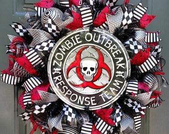 Halloween Wreath, Zombie Wreath, Walking Dead, Front Door Wreath, Deco Mesh Wreath, Wreaths, Fall Wreath, Halloween Decor, Wreath