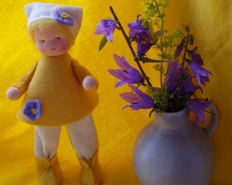 Flower child - Waldorf inpired - Nature table - Antroposofisch - Seizoen tafel - Bloemenkind