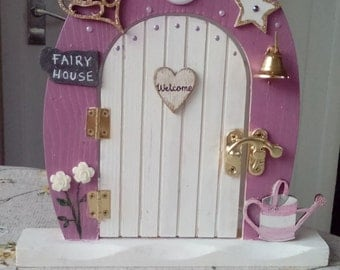 3 different wooden fairy doors with butterfly, roses, heart, Welcome, opening - the price is only for 1 fairy door. Please select.