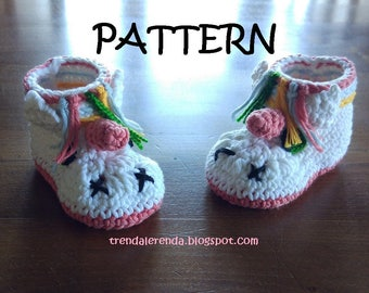 Unicorn croceht baby booties pattern in English and Spanish. Baby Unicorn Boots or Little Pony in Crochet. Crochet Tutorial.