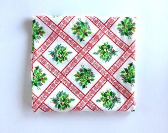 S A L E Vintage Christmas Tablecloth, Vintage Oval Christmas Tablecloth