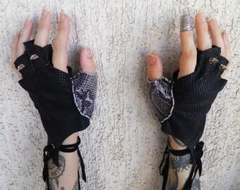 Axe Wielder Leather Gloves