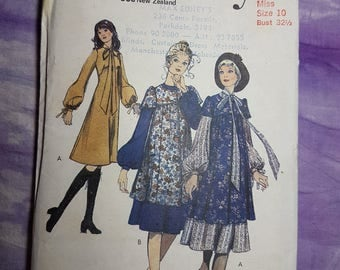 Style 3349 Smock Dress 1970s Uncut Vintage Sewing Pattern Size 10