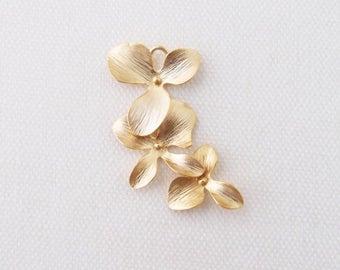 P0-046-MG] Triple Orchid Flower / 15 x 33mm / Matt Gold plated / Pendant / 2 pieces