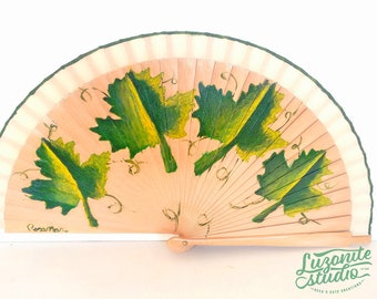 Beige range of wooden sheets with handpainted, hand painted Spanish fan