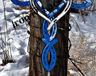 Horseshoe cross with heart with stake (cross painted heart shiny)may take up to 16 weeks for delivery***