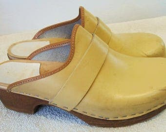 Beige Colored,Vintage 80's,Swedish Style Boho/Hippie era Clogs By VOLLSIO.40(9US)