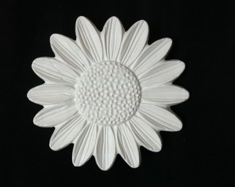 Daisy Flower Sculpture Unpainted Plaster Art & Craft Project for Painting
