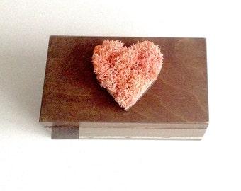 moss art wooden tea box, tea or storage box, handmade tea box, rustic handmade teabox with moss heart