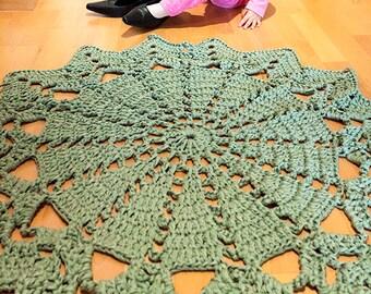 Rug in hand-woven green color   Crochet rug, crochet rug   Hand-woven rug, handmade rug