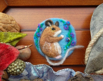 needle felted mouse brooch wool pin embroidered brooch Japan art felt jewelry unique birthday easter gift for mom sister animal felt picture