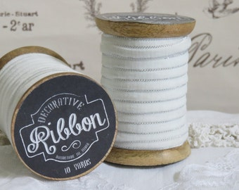 10 Yards WHITE VELVET Ribbon with SILVER Metallic Trim on Vintage Style Large Wooden Spool, Crafts, Sewing, Gift, Wrapping, Scrapbook, Dolls