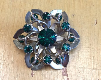 Vintage 1950s 1960s Rhinestone Brooch Vintage Emerald Flower Pin Mid Century Jewelry Silver Tone Floral Green Crystal Retro Mod