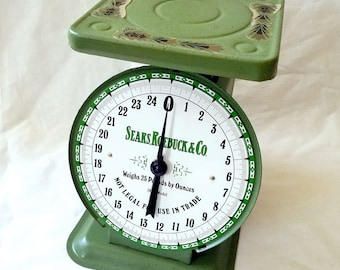 Vintage Sears, Roebuck & Co. 25lb Scale. Mercantile, Meat, Produce, Grocer, Market, Country Store Spring Scale.
