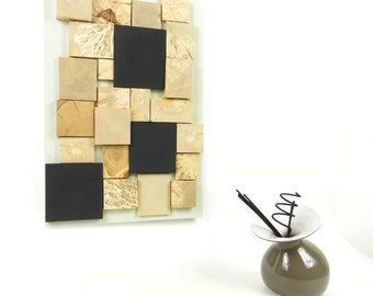 Wall decoration table memo, Slate, black and green pastel, wooden hand with natural wooden geometric forms