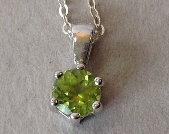 Sterling Silver Peridot Pendant and Chain Necklace