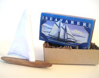 Matchbox Art, poche bateau, voilier bois flotté, bateau Miniature, Art en bois flotté, Kit de bricolage pour enfant, bateau de bois flotté, anniversaire nautique, bateau bois jouet